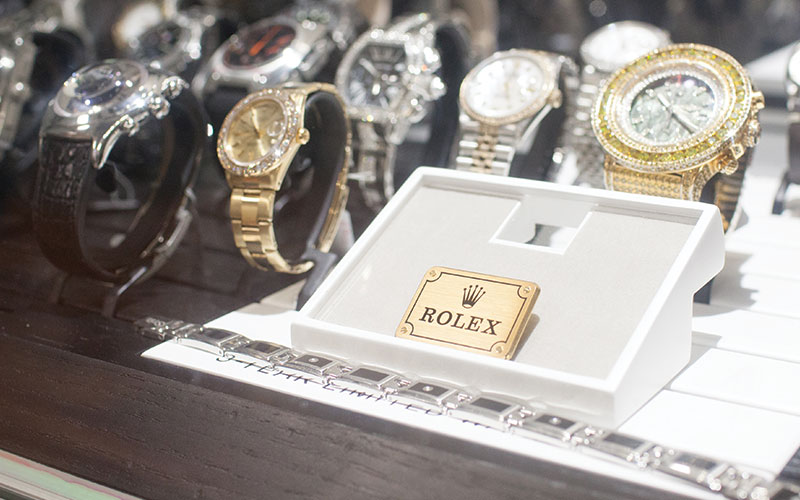 Muller Buys Fine Jewelry